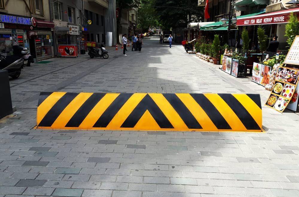 İstanbul Büyükşehir Belediyesi Taksim Talimhane Yayalaştırma Projesi - <p>Yol Kesici (Road Blocker) Sistemi</p>
